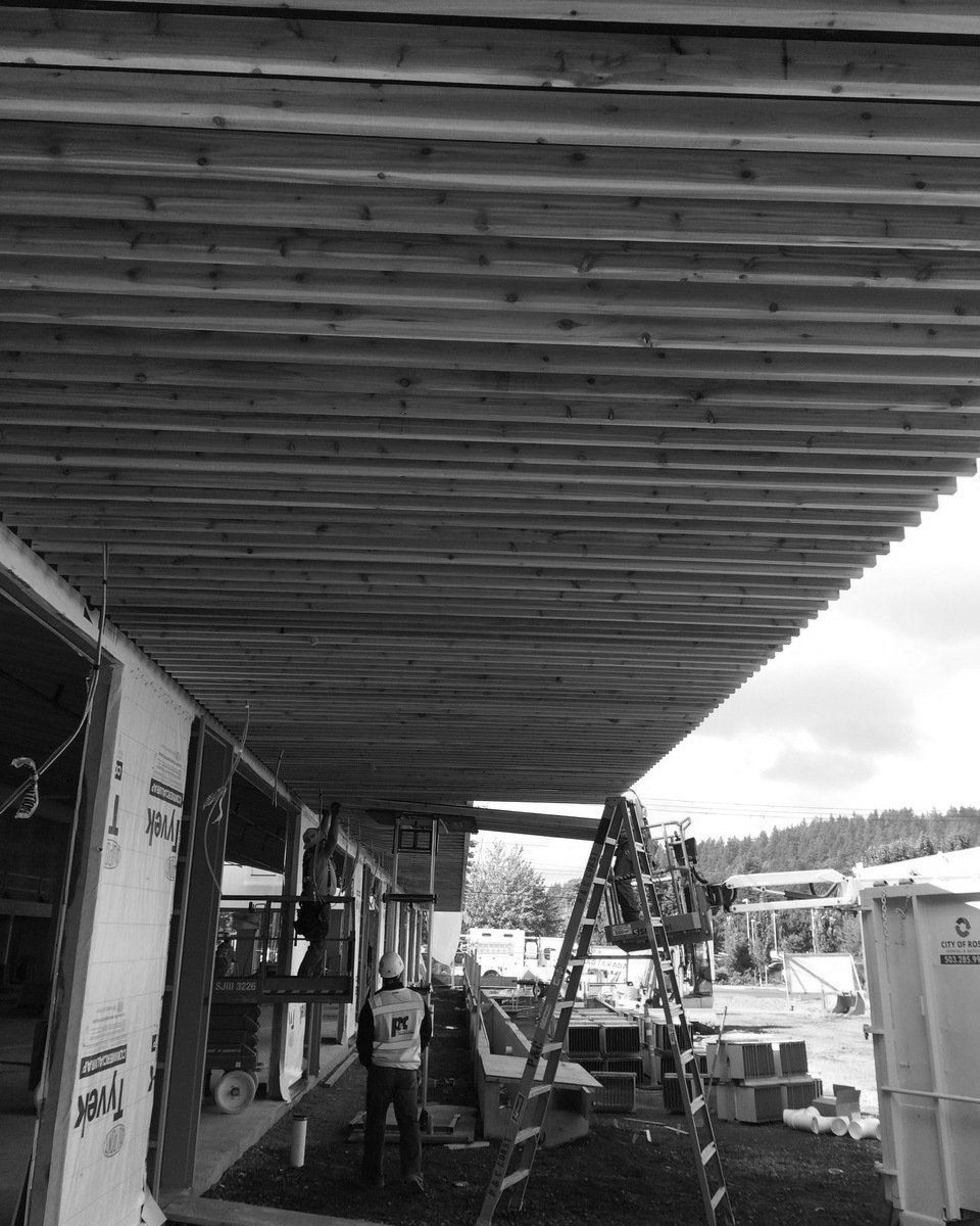07 prefabed soffit panels going in 1000 0x41x960x1200 gray q85